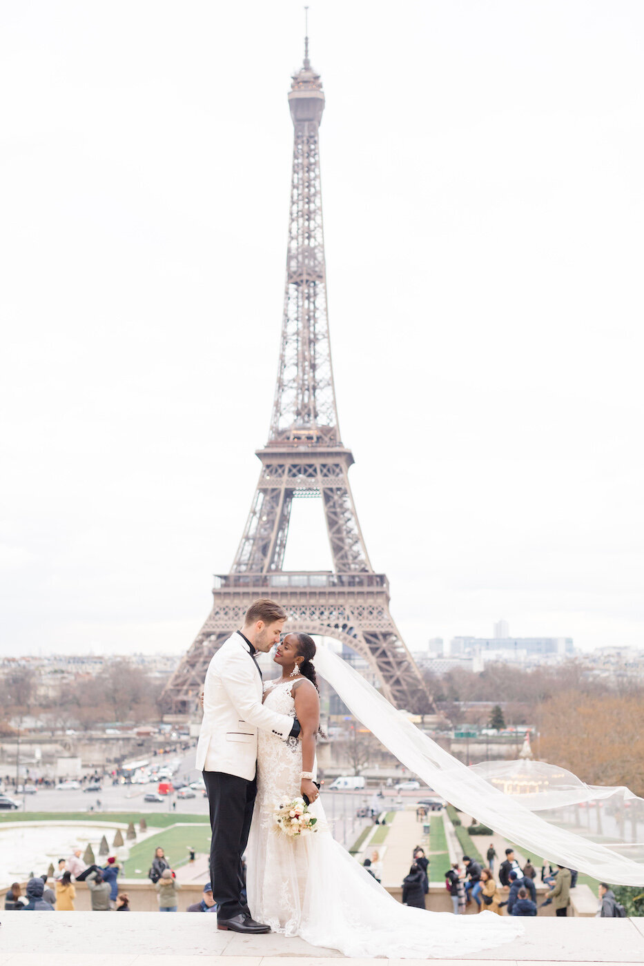 Layla+Kyle Winter Paris Eiffle Tower Wedding-6397