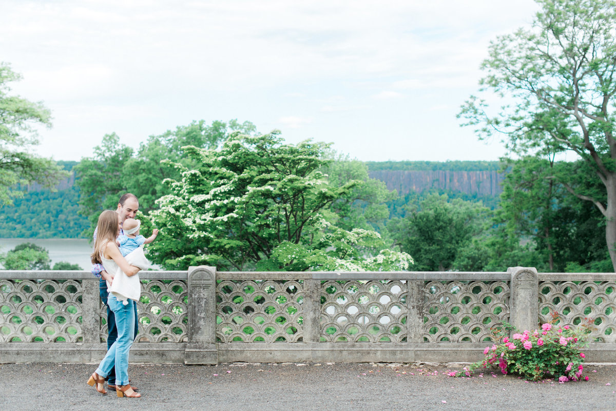 westchester-new-york-family-photographer-nicole-detone-photography-untermeyer-garden
