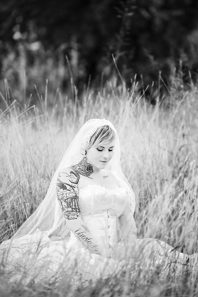 Nicole Woods Photography - Austin Texas Wedding Photographer - Copyright 2017 - 9600