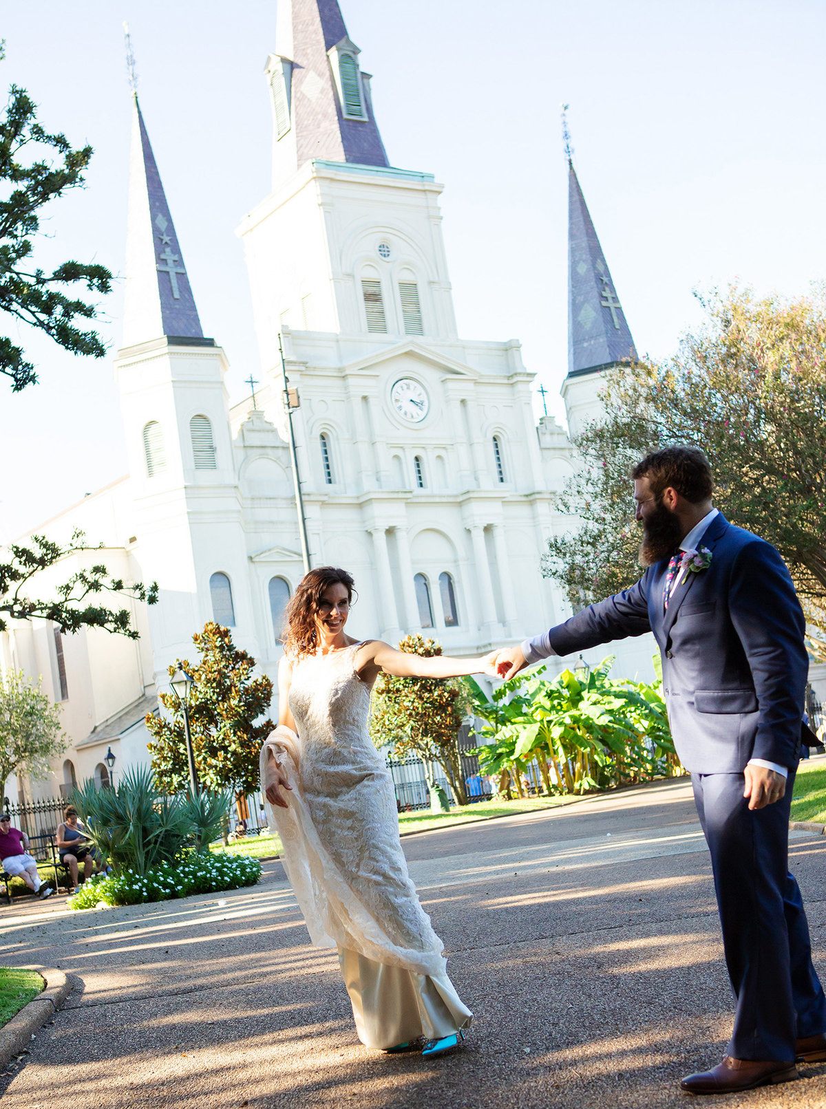 wedding couple dancing in Jackson Square