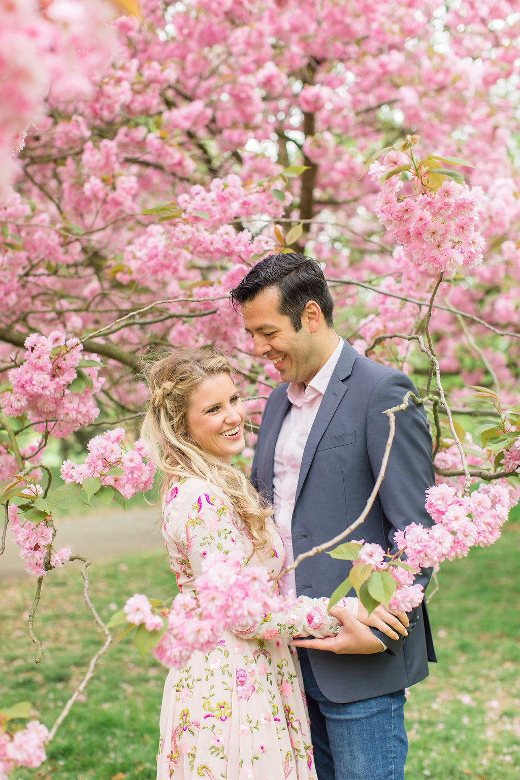 london-engagement-cherry-blossoms-roberta-facchini-photography-14