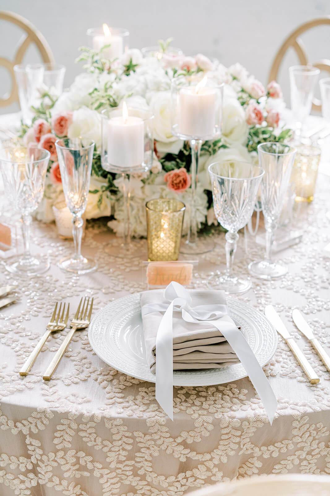 White-blush-wedding-reception-flowers-portfolio_klassy-kreations