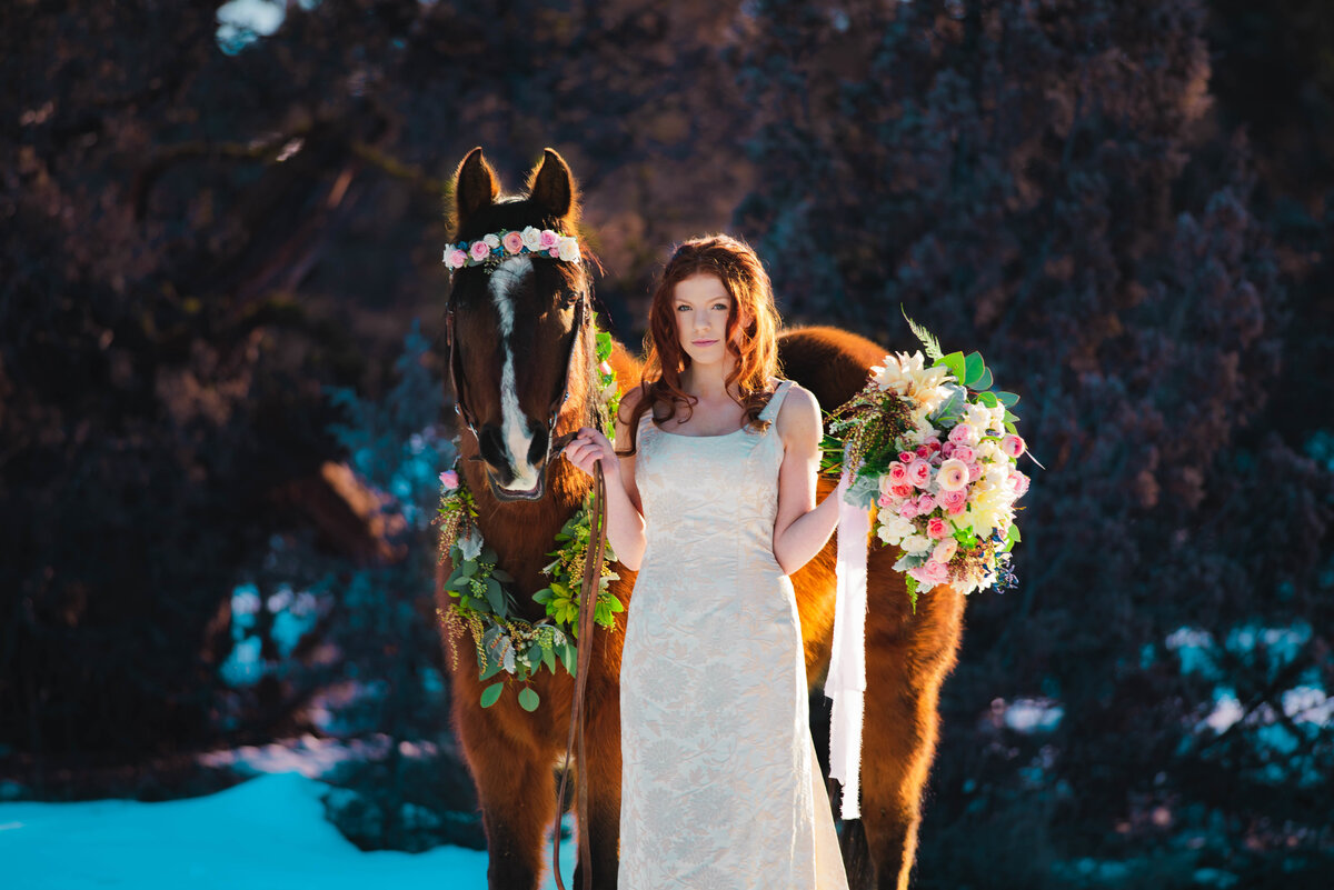 Horse florals, bend oregon wedding, bridal bouquet
