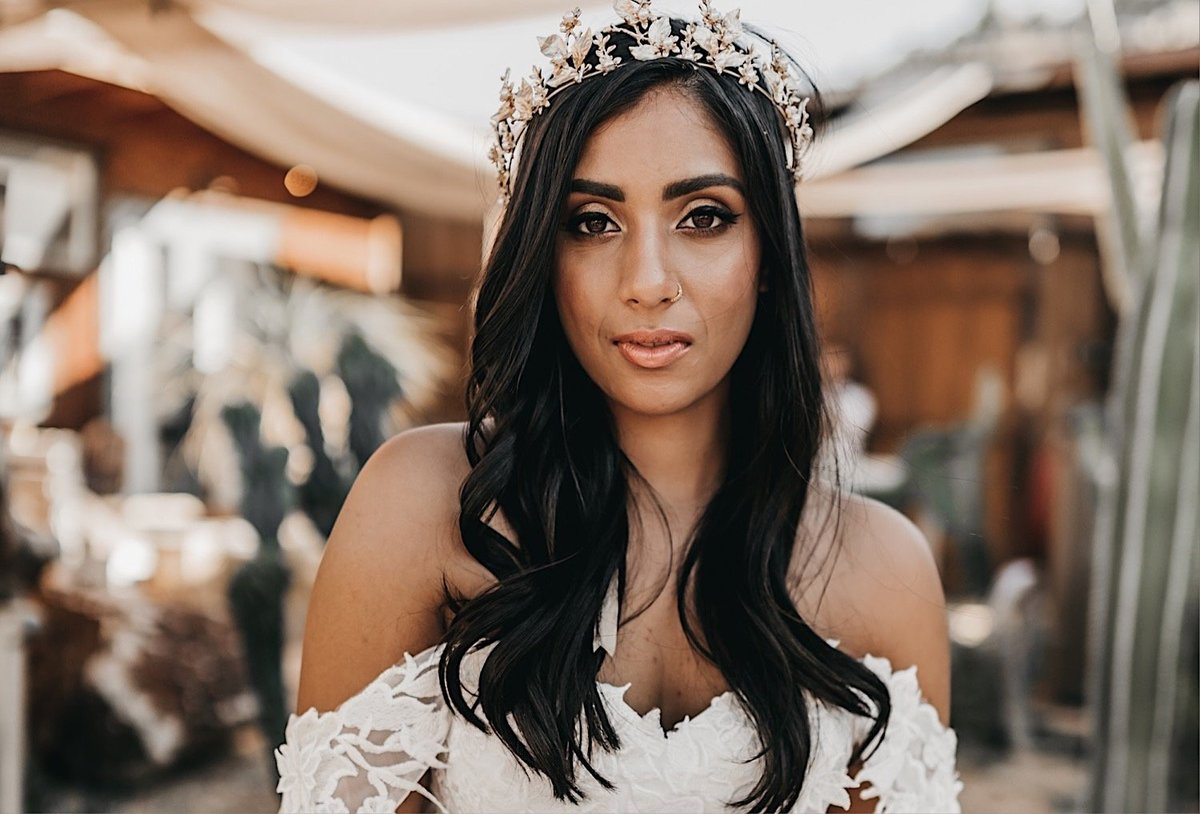 07-boho-bride-with-gold-crown-in-joshua-tree