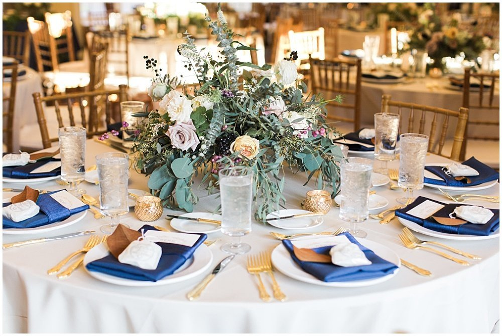 Laurel-Hall-Fall-Navy-Wedding-Ivan-Louise-Images-Jessica-Dum-Wedding-Coordination_photo_0027