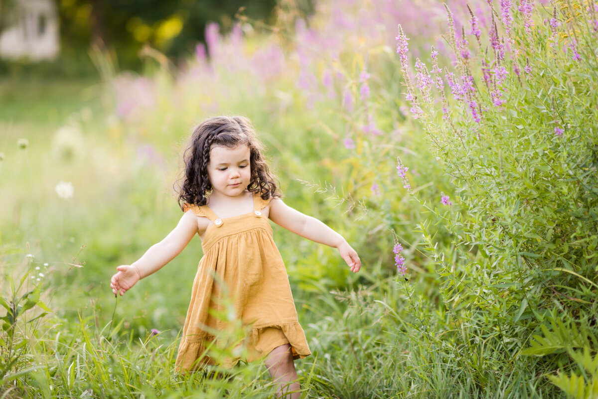 Boston-family-photographer-bella-wang-photography-Lifestyle-session-outdoor-wildflower-56