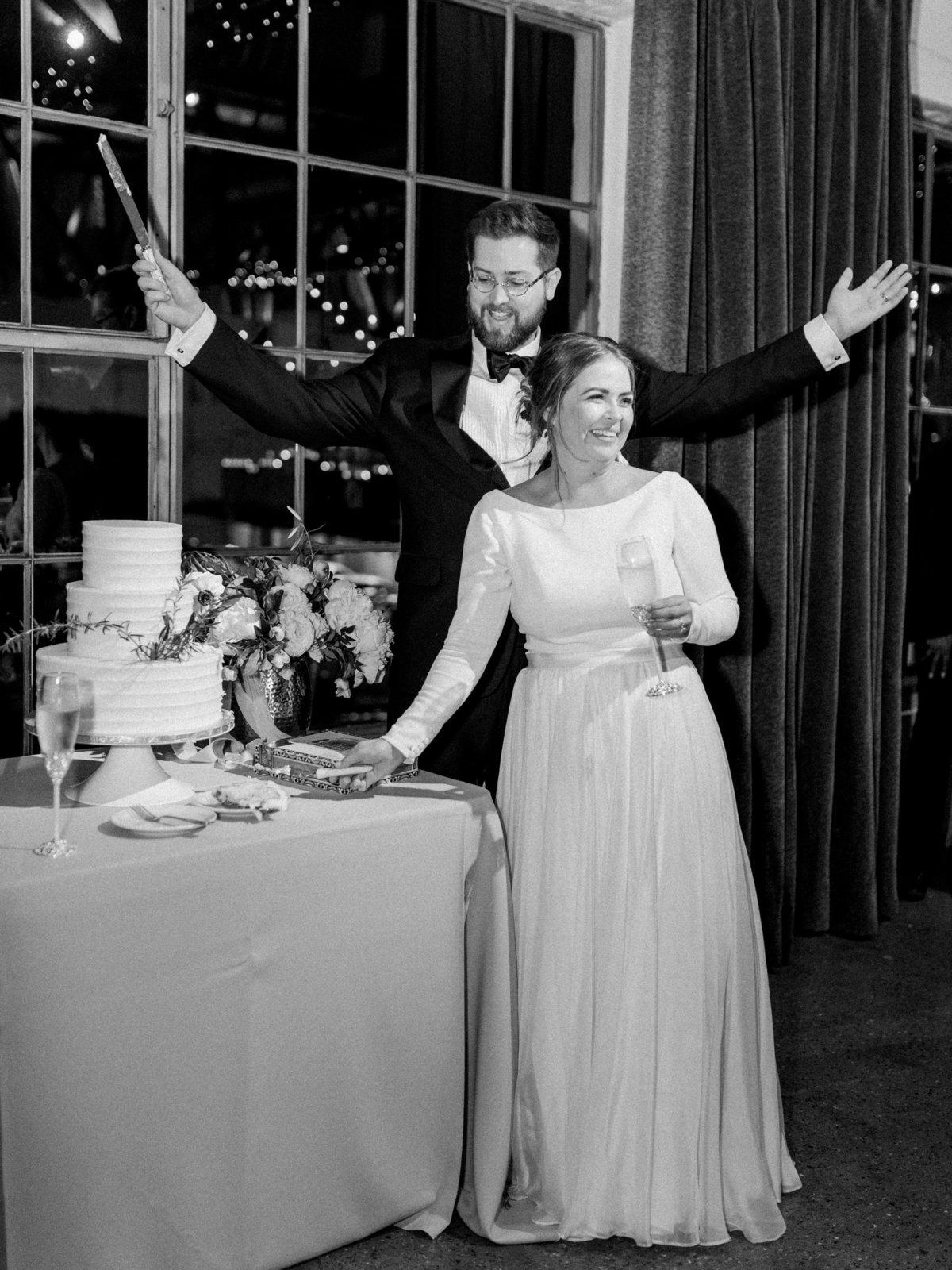 Courtney Hanson Photography - Festive Holiday Wedding in Dallas at Hickory Street Annex-1424