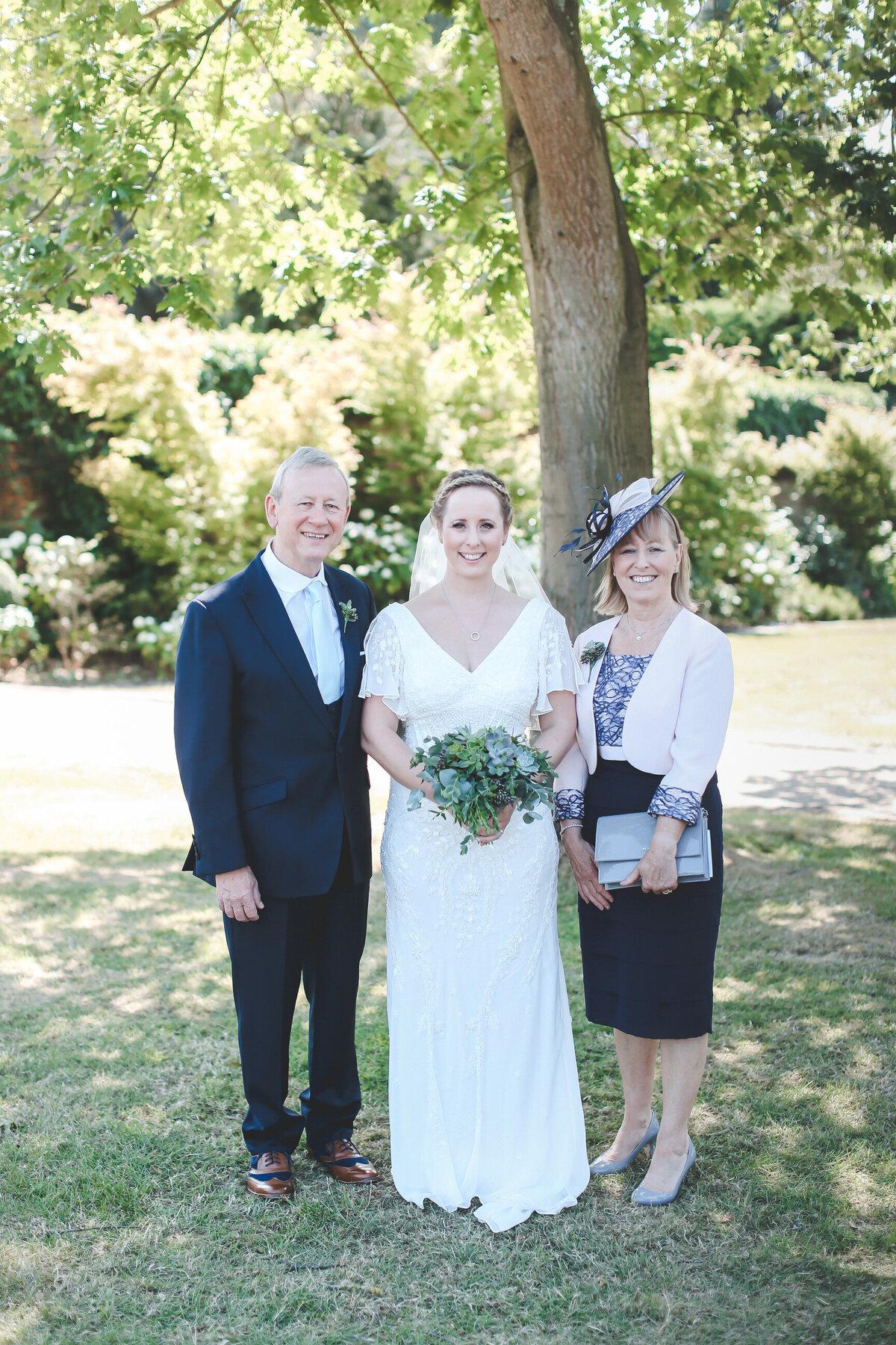 GAYNES-PARK-BARN-WEDDING-ESSEX-0038