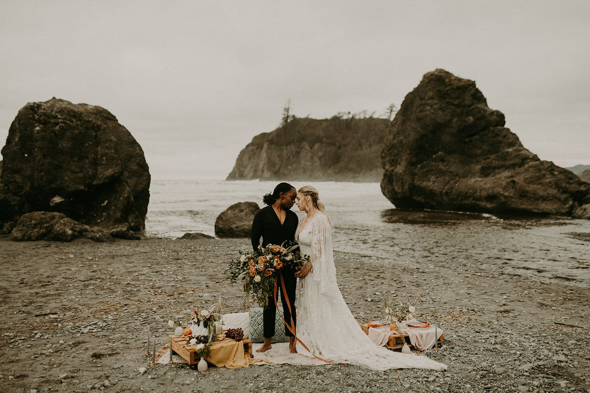 Ruby_Beach_Styled_Elopement_-_Run_Away_with_Me_Elopement_Collective_-_Kamra_Fuller_Photography_-_Portraits-120