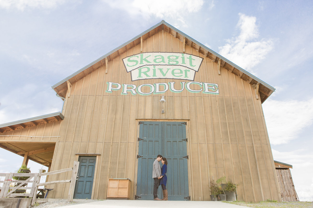 seattle engagement photography skagit valley produce market engagement session