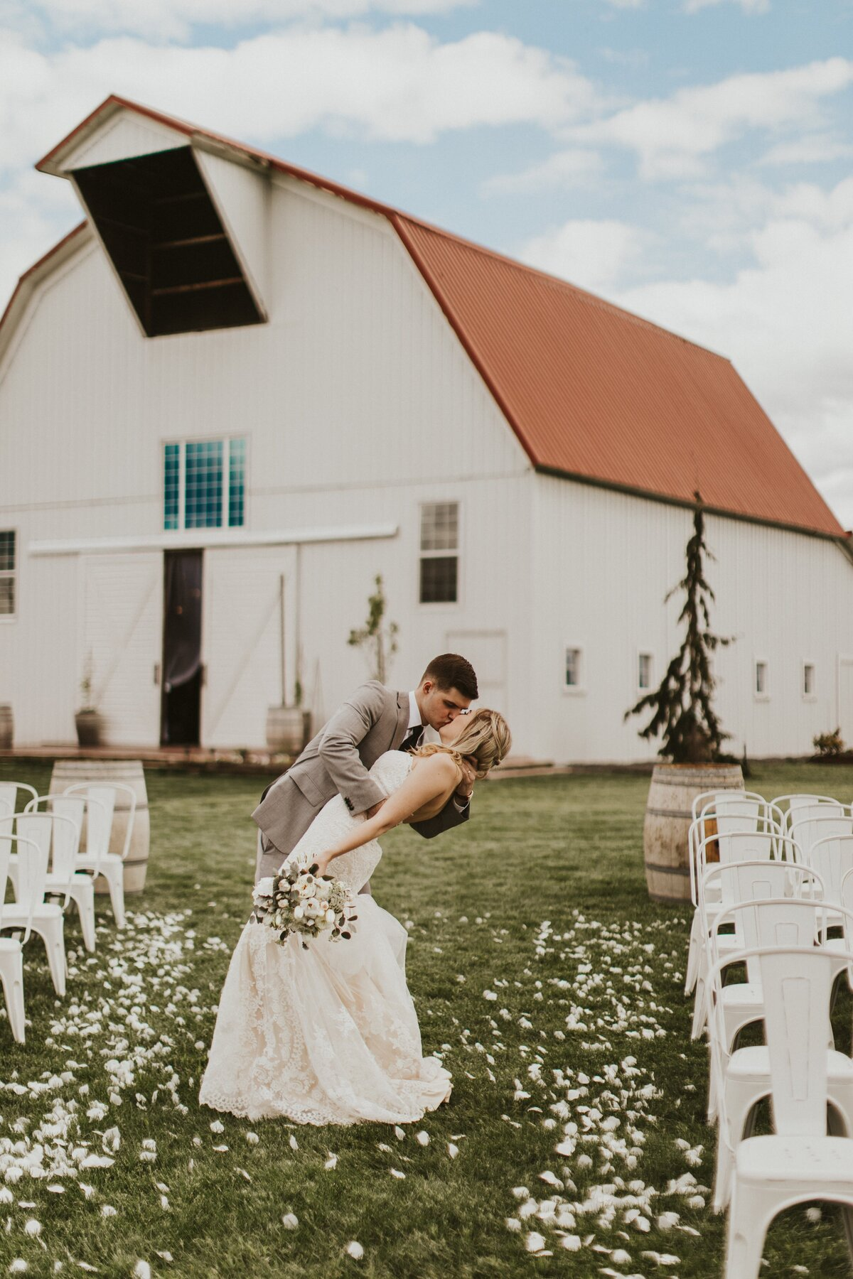 White-Barn-Estate-Romantic-Oregon-Wedding-648