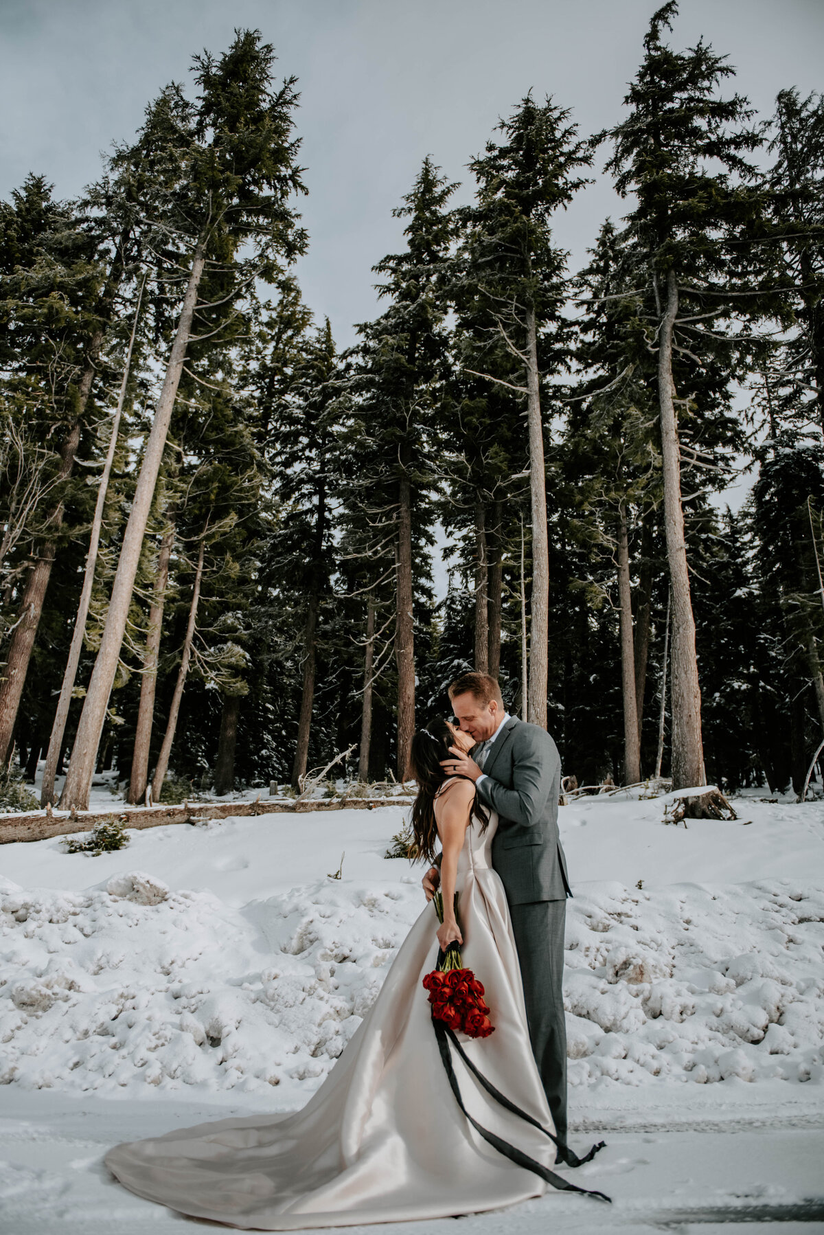 mt-bachelor-snow-winter-elopement-bend-oregon-wedding-photographer-2182