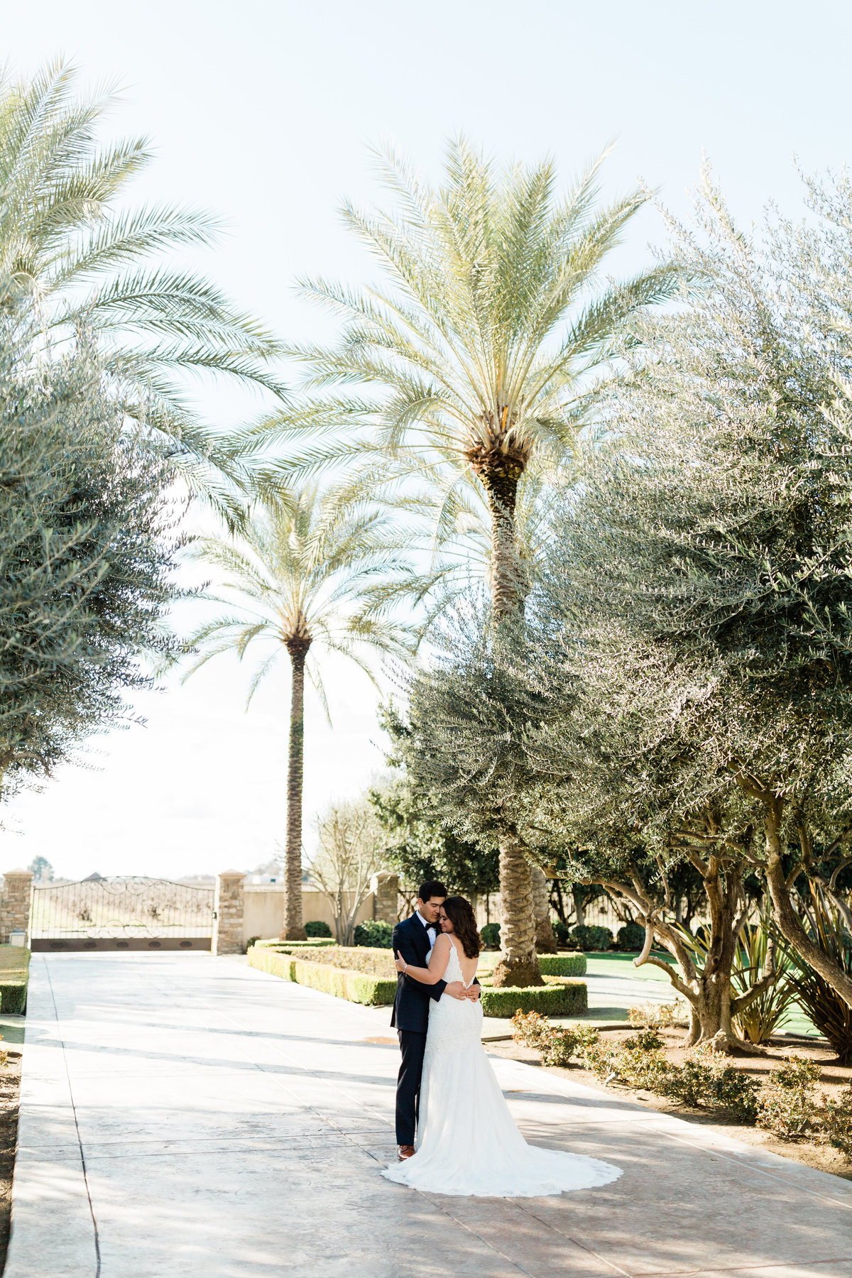 tuscan gardens wedding photos by fresno wedding photographer megan helm photography