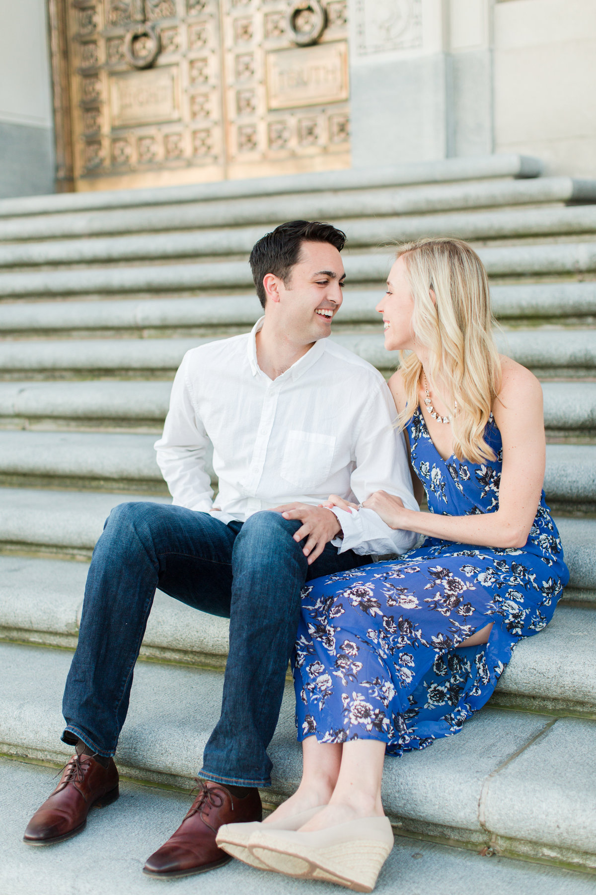 Indianapolis War Memorial Downtown Engagement Session Sunrise Sami Renee Photography-5