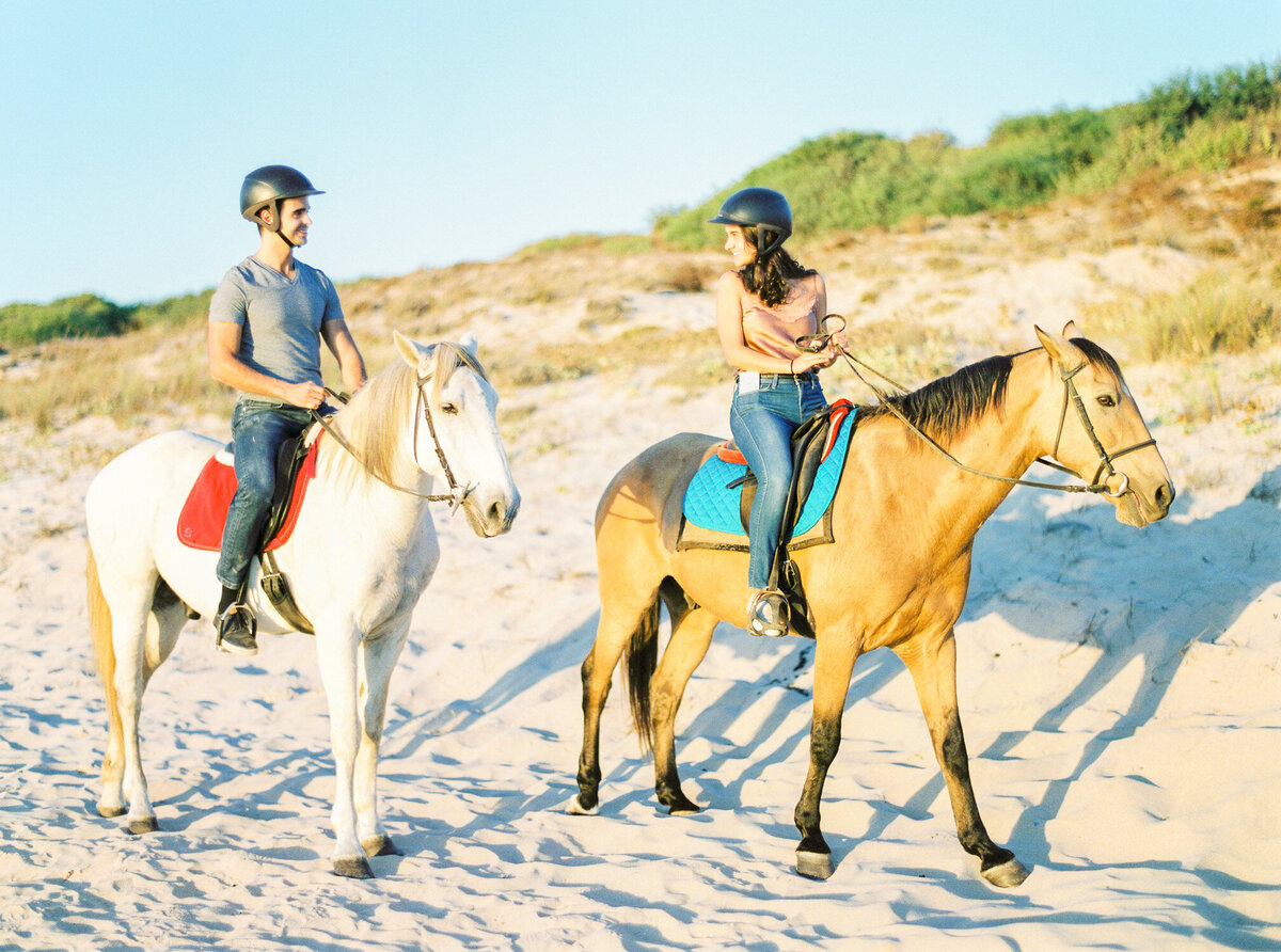 beach_horseback_riding_wedding_proposal-13