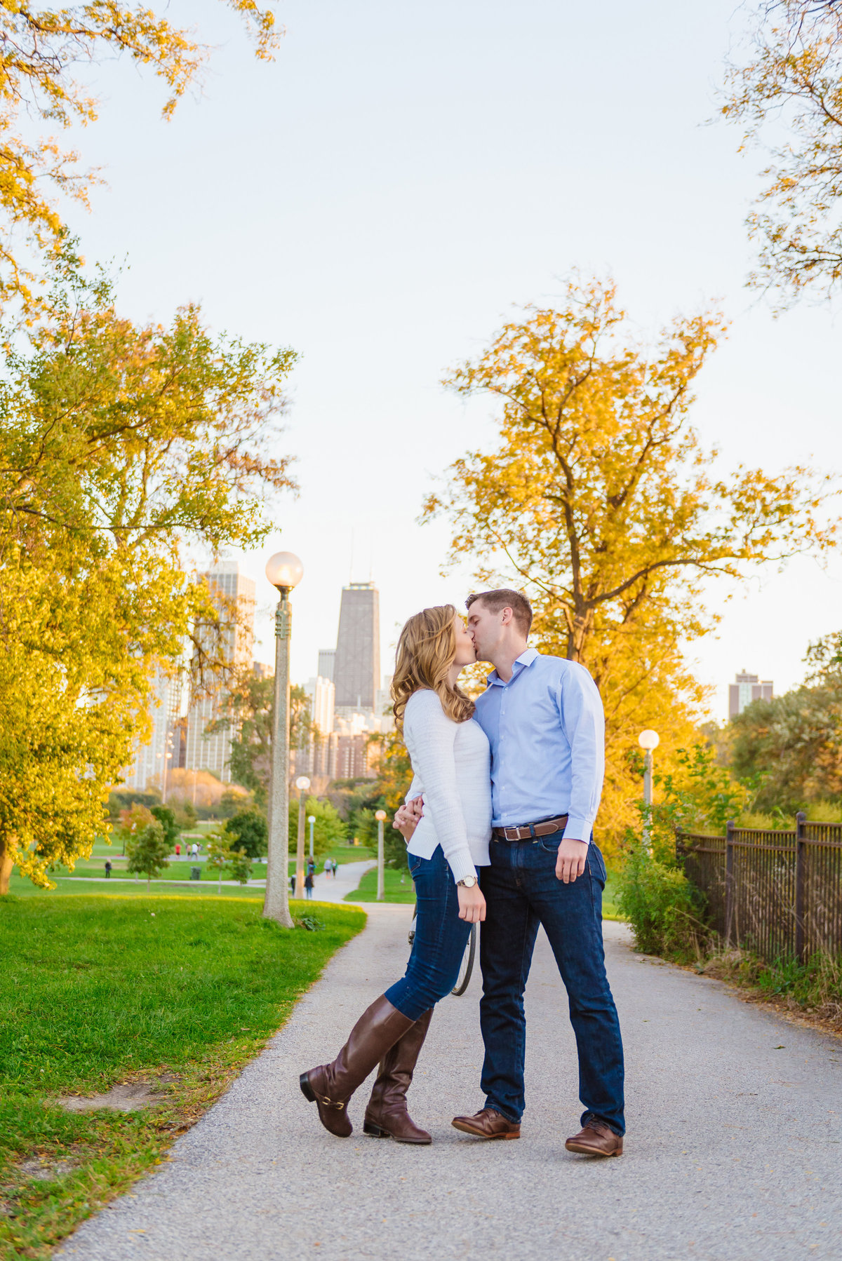 lincoln-park-engagement-chicago-the-paper-elephant-0025