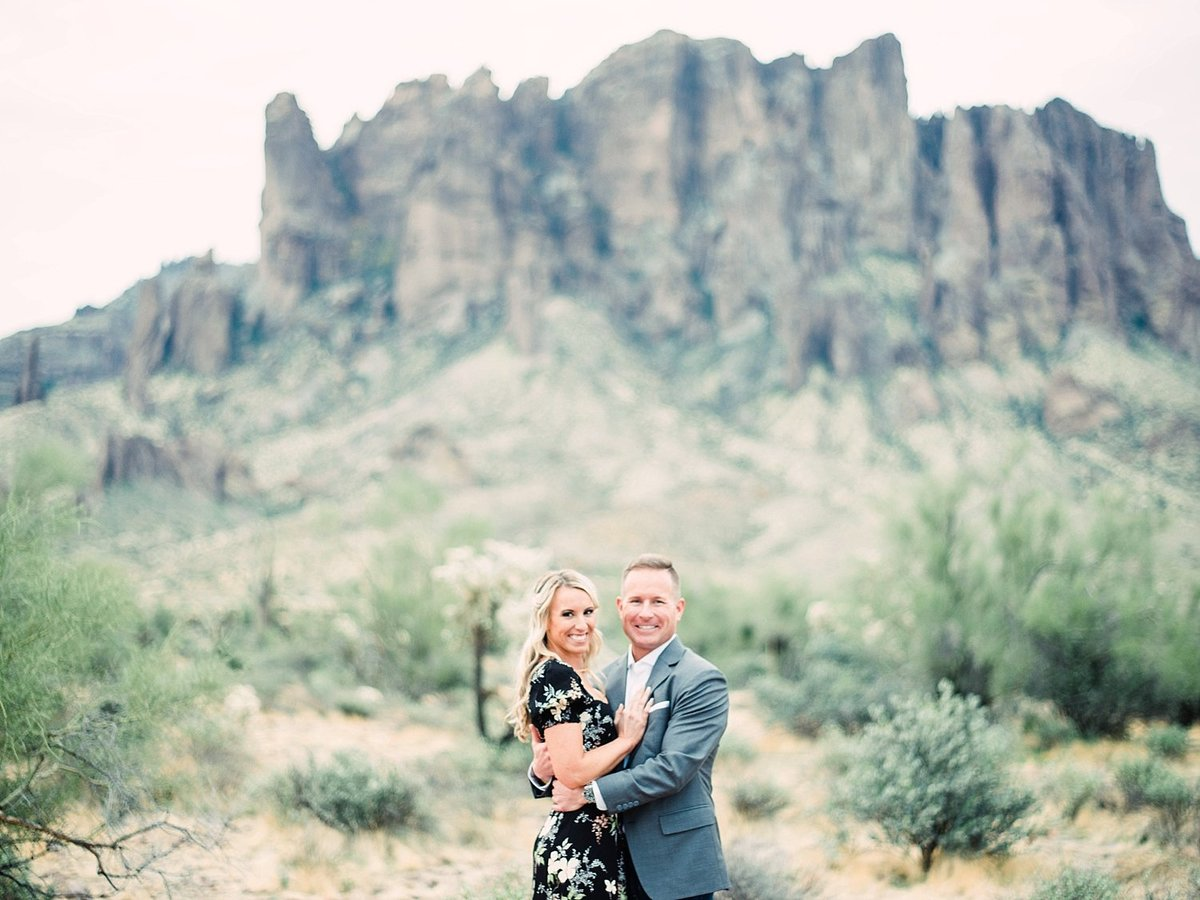 scottsdale-arizona-wedding-photographer-engagement-desert_0107