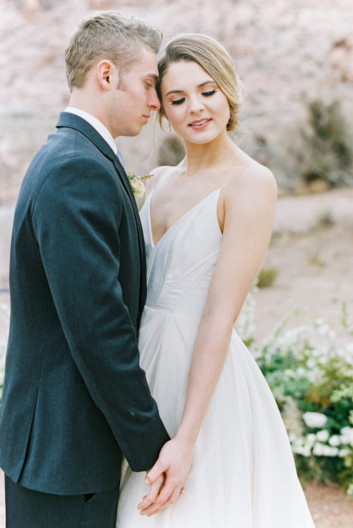 california-desert-elopement-photos23