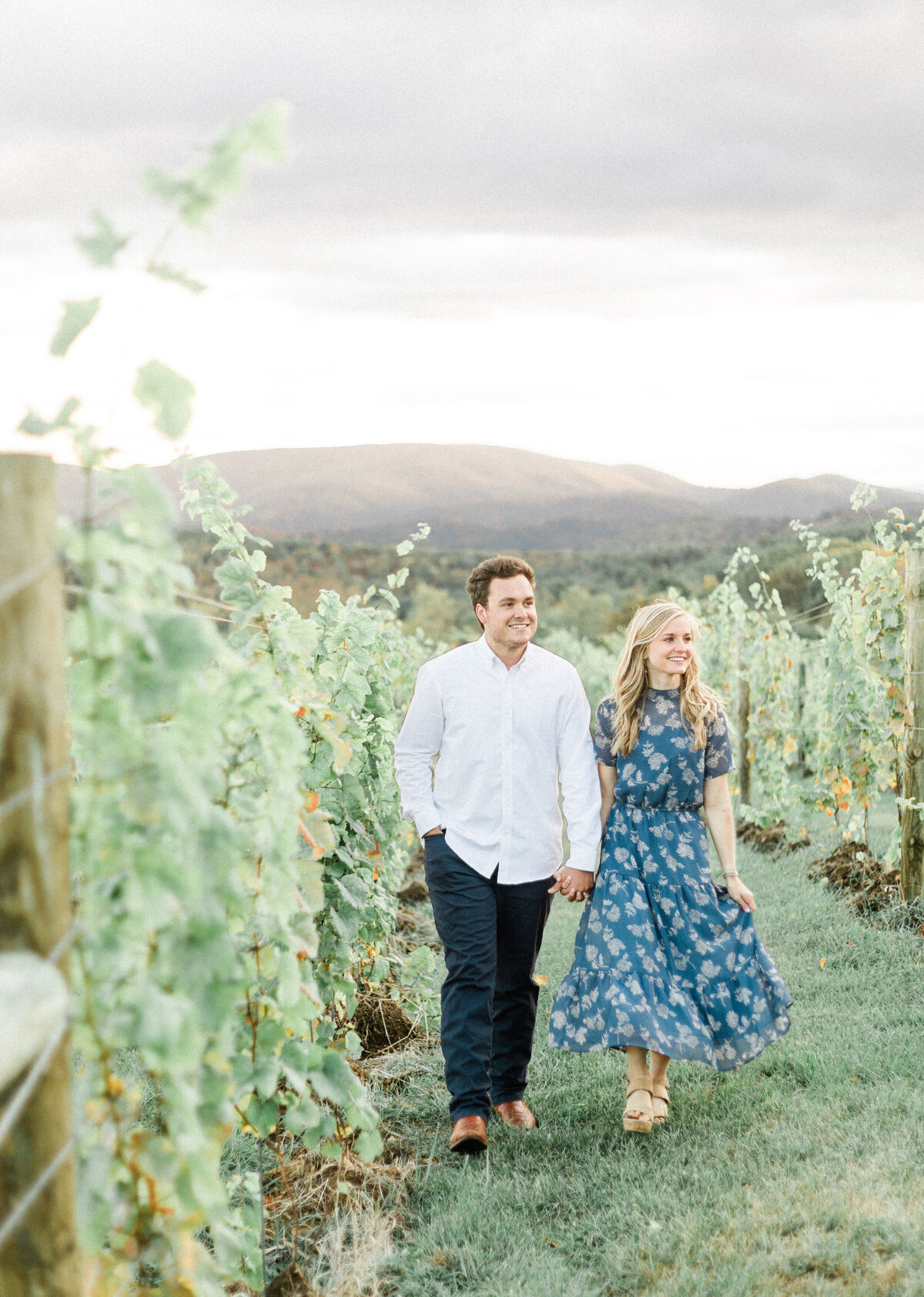 audra-jones-photography-athena-sam-12-ridges-vineyard-engagement-71