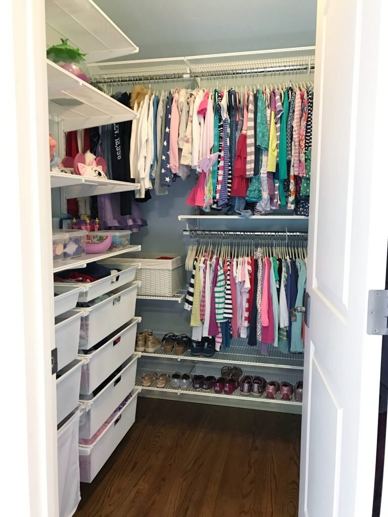 shared-girls-bedroom-closet-768x1024