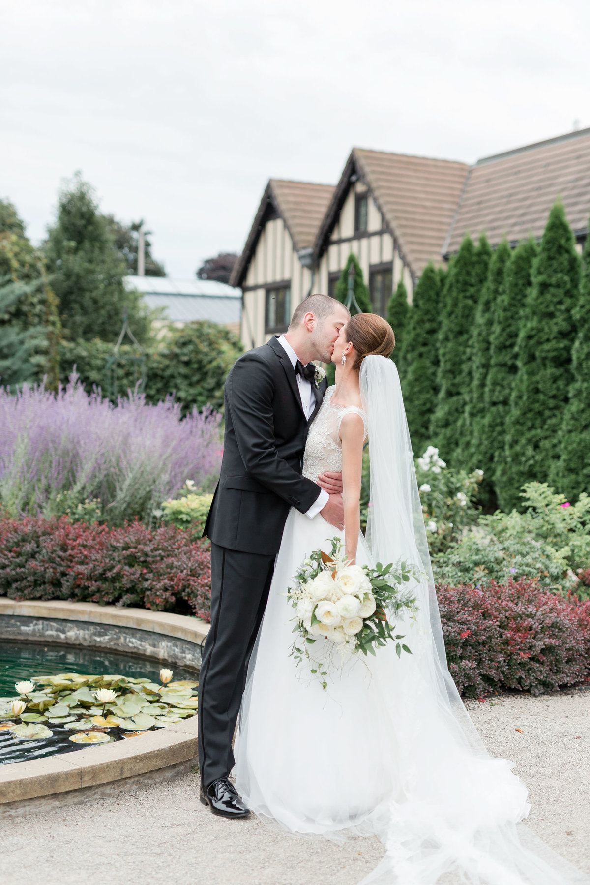 Maison Meredith Photography Wisconsin Wedding Photographer Real Wedding One 028
