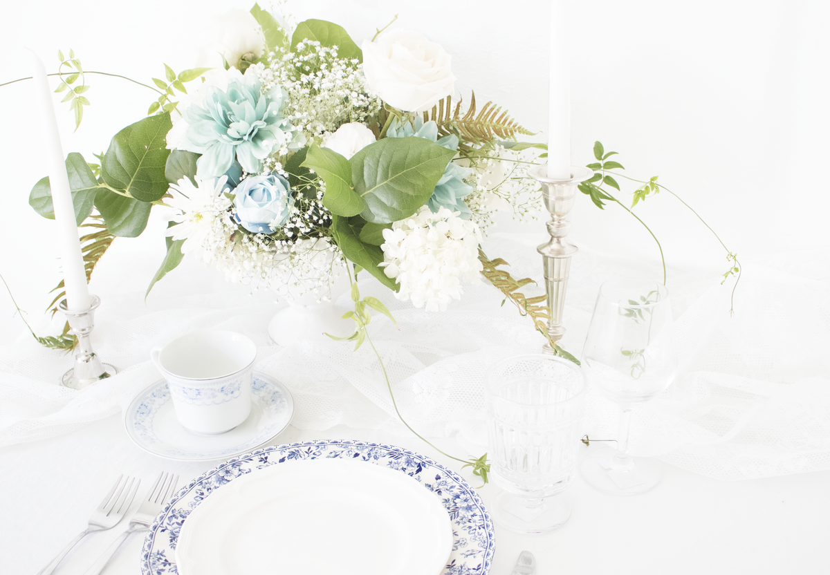 TheMintSweater-WebDesign-HomePageSlider-Tablescape