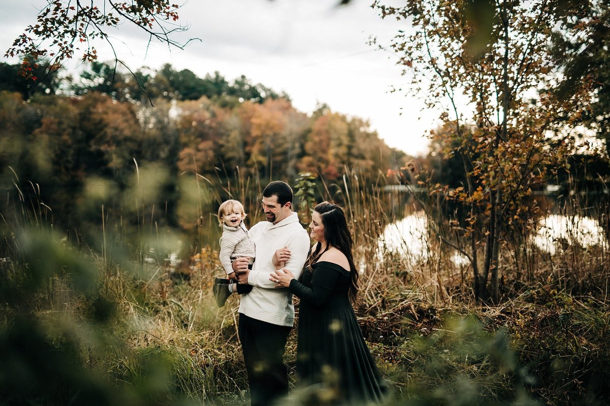 fall-family-session-golden-hour-milford-delaware-rebecca-renner-photography_0003