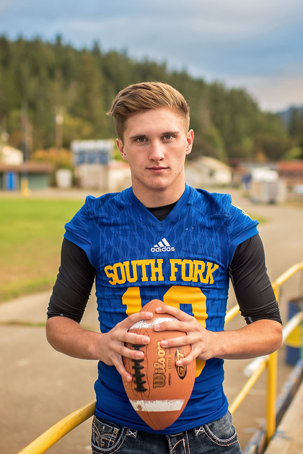 Redway-California-senior-portrait-photographer-Parky's-Pics-Photography-Humboldt-County-football-Souuth-Fork-High-1.jpg