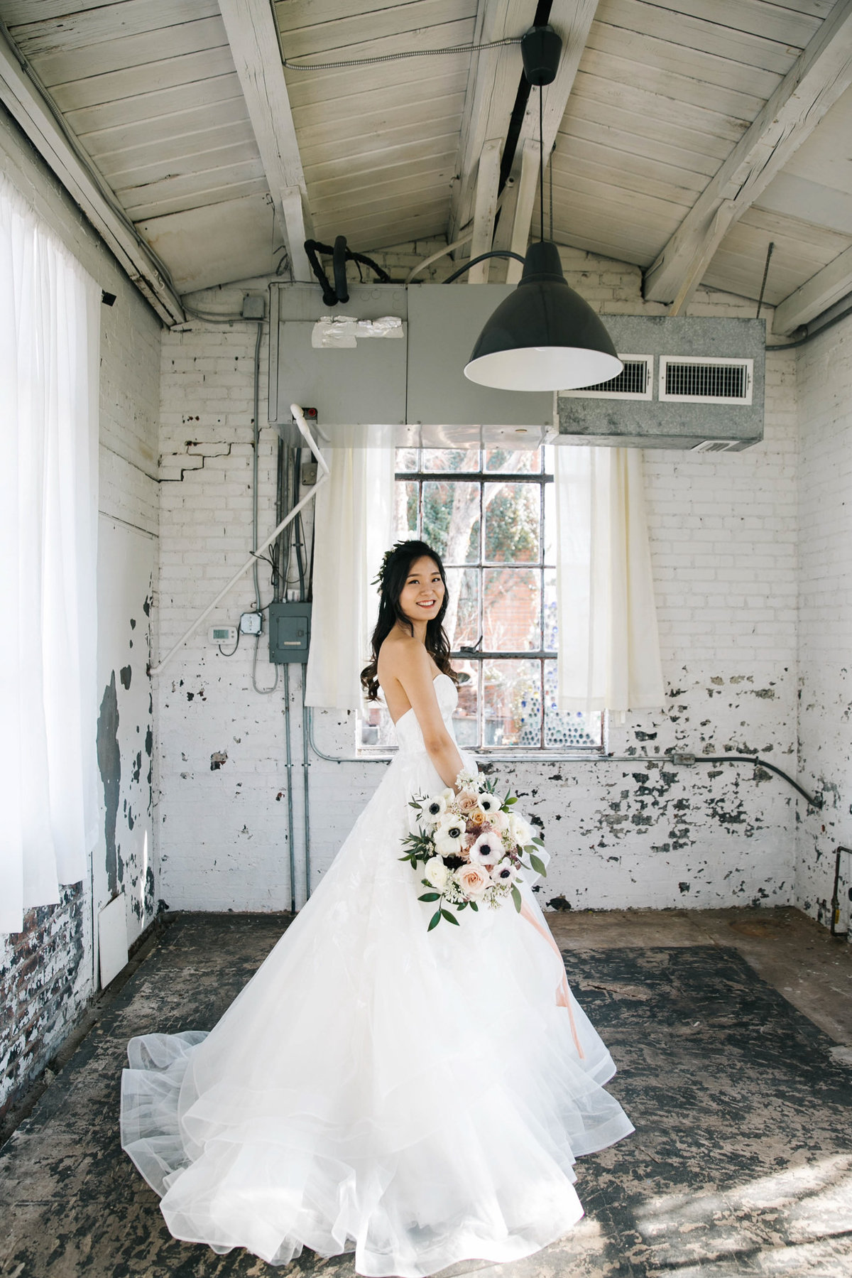 Dallas-Downtown-wedding-at-Hickory-Street-Annex-by-Julia-Sharapova-Photographer-71