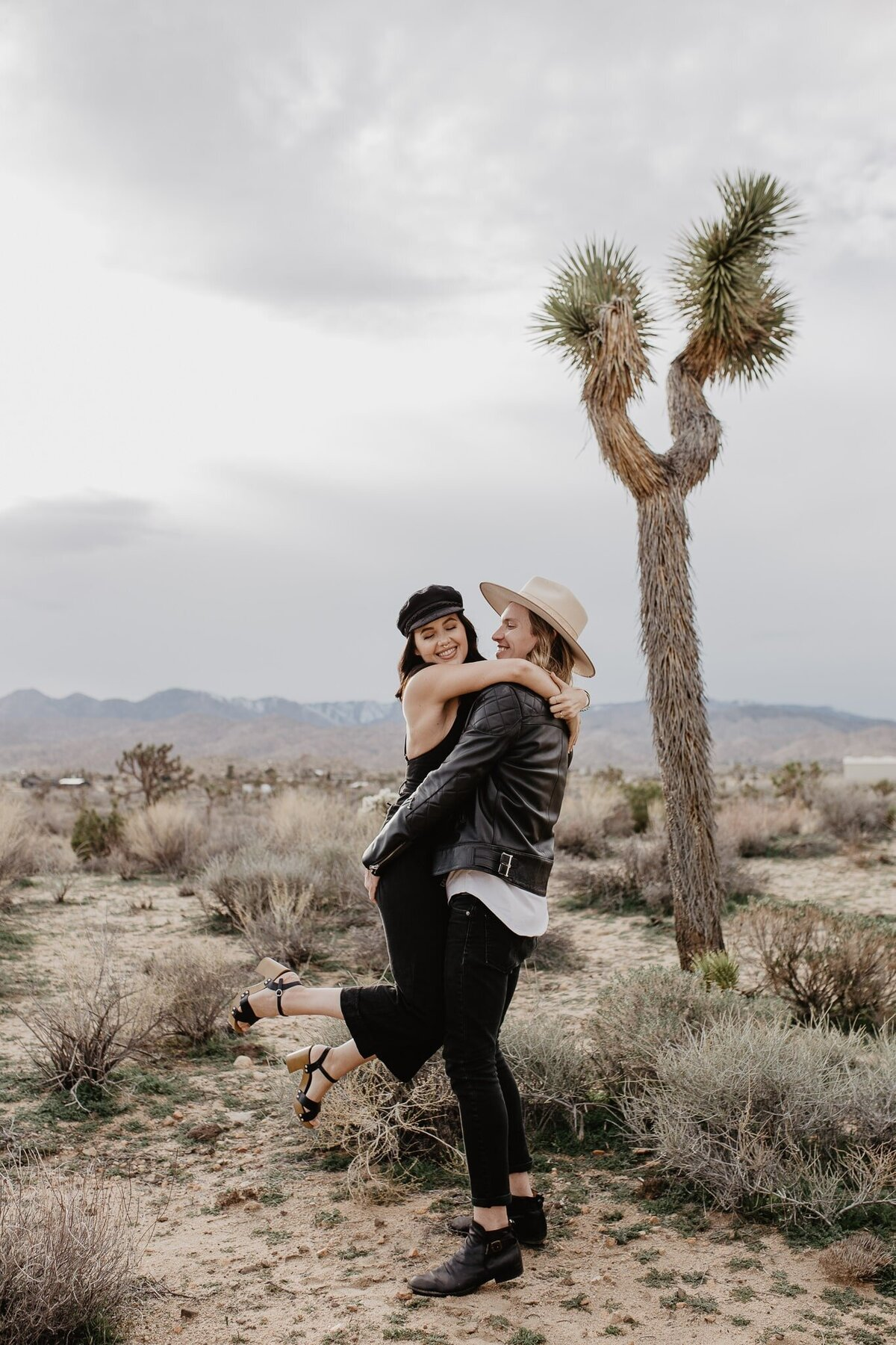 JessyHermanPhoto_Joshua-Tree-California-Engagement-15