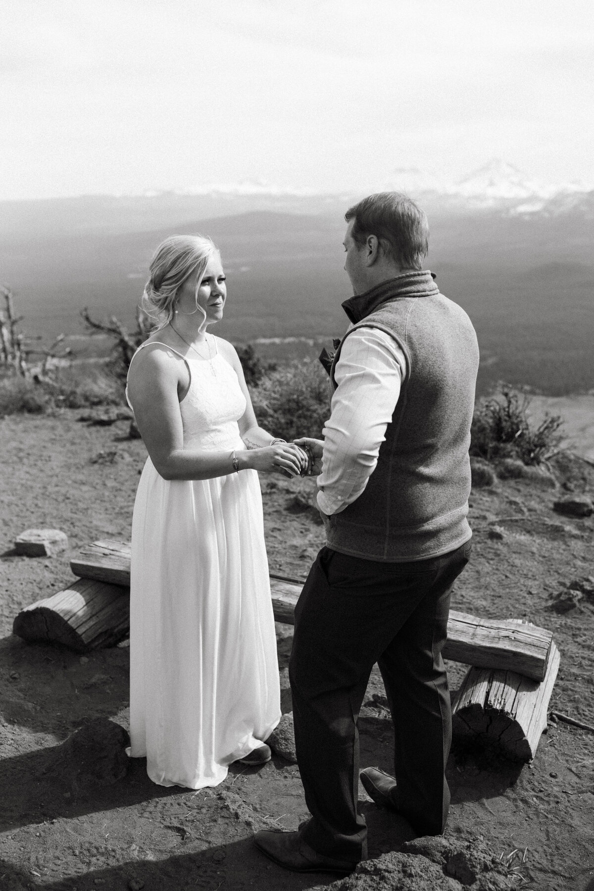 Bend-Oregon-Elopement-photographer-R&C-340
