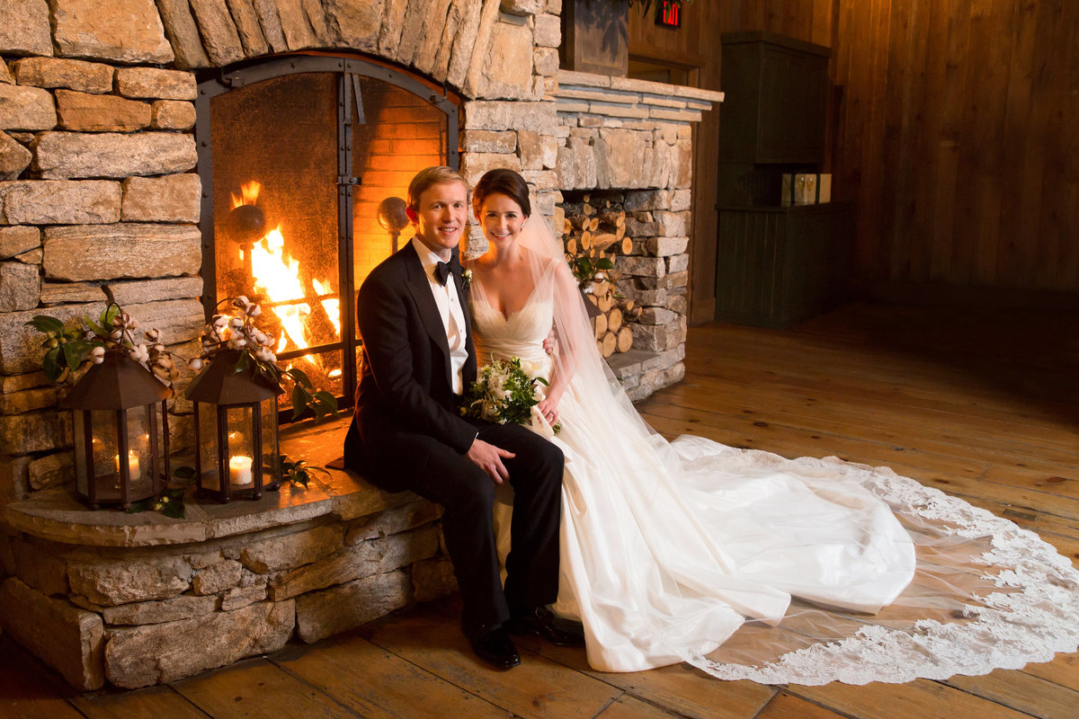0051_Old-Edwards-Inn-Highlands-NC-Winter-Wedding