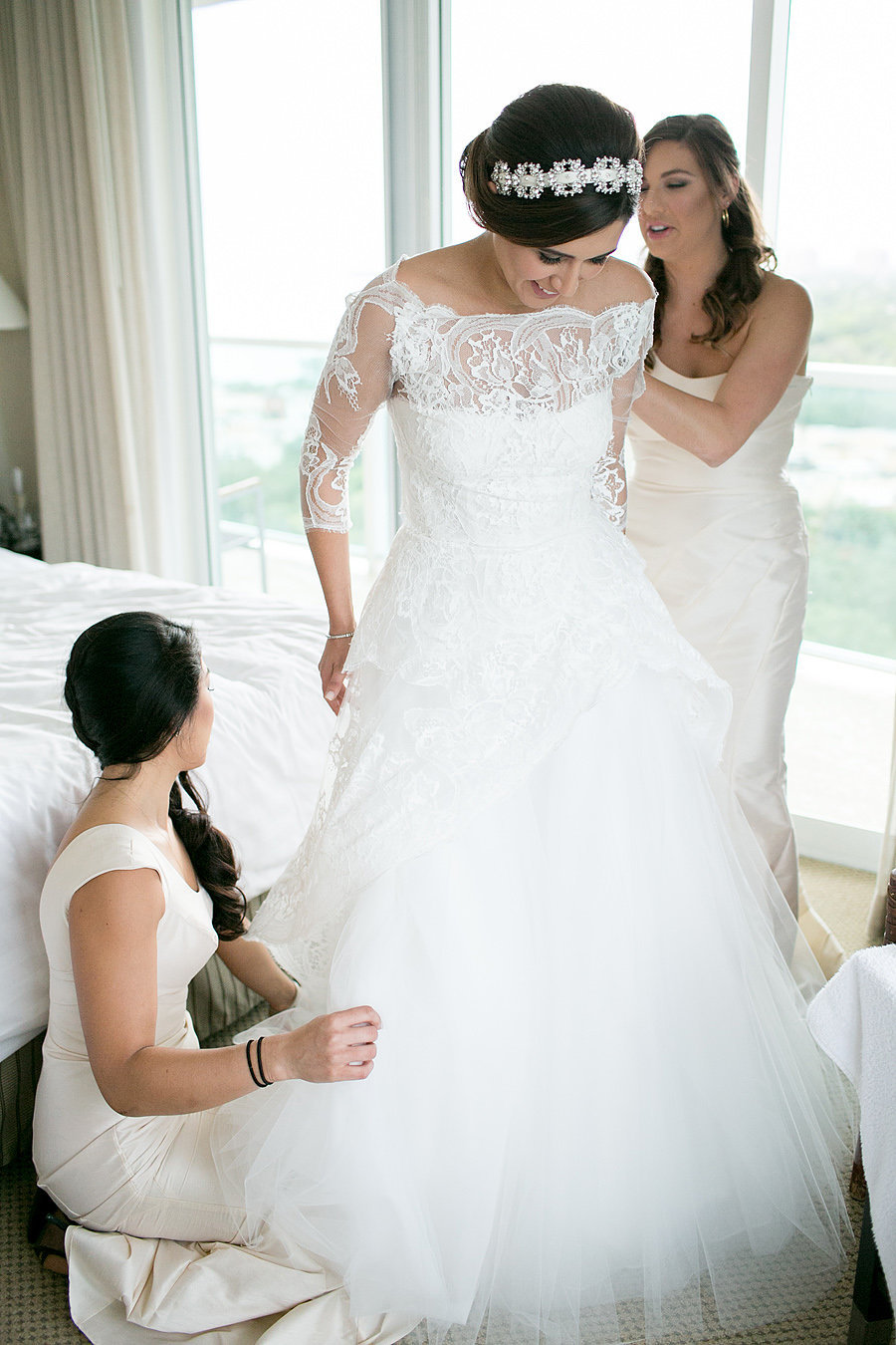 miami bride getting ready