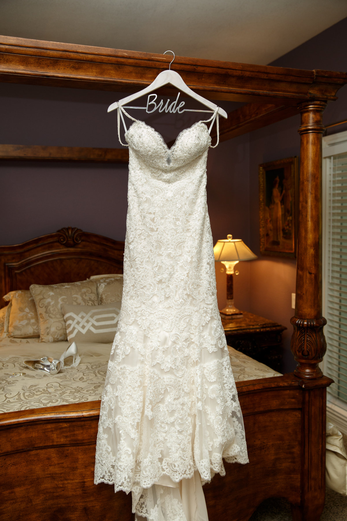 Austin wedding photographer casa blanca on brushy creek bride dress