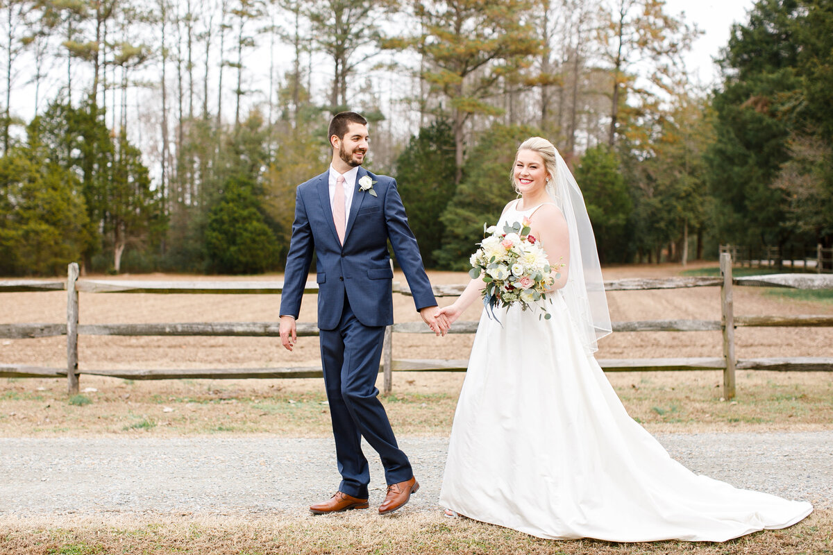 Tara Liebeck Photography Wedding Engagement Lifestyle Virginia Photographer Bright Light Airy40