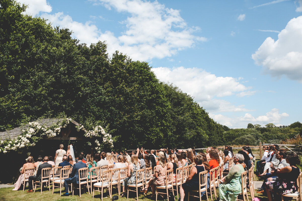 BURY-COURT-BARN-WEDDING-SUMMER-0027