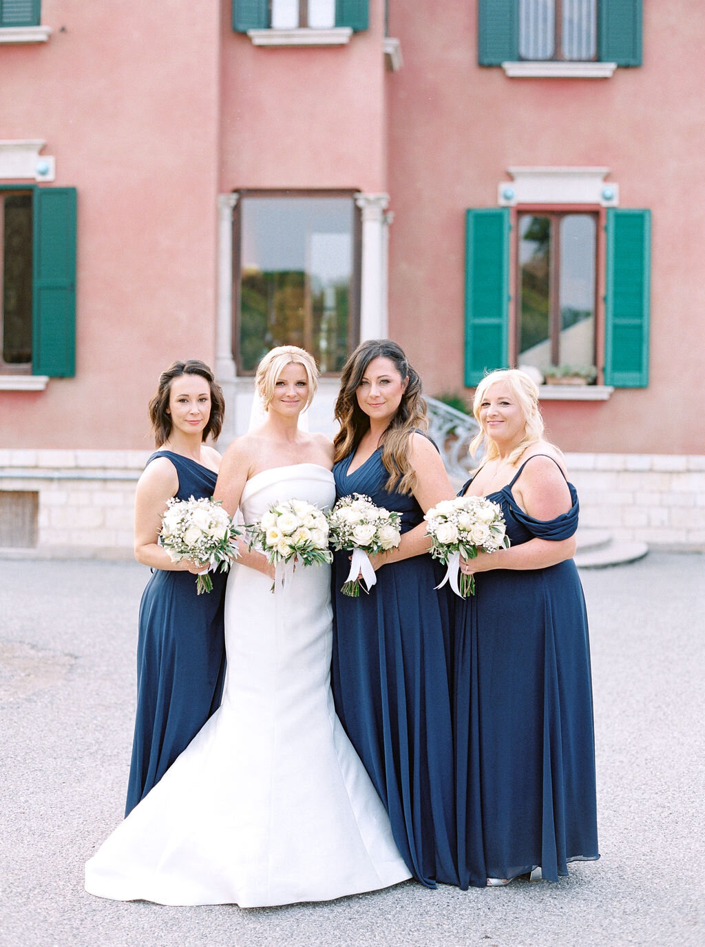 best-italy-wedding-photographer-soft-airy-lake-como-garda-mike-hannah-previews-30
