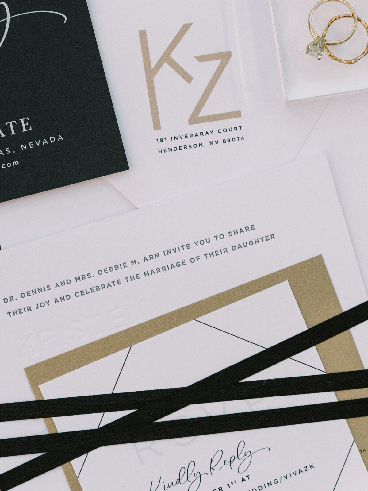 black-and-gold-wedding-invitations