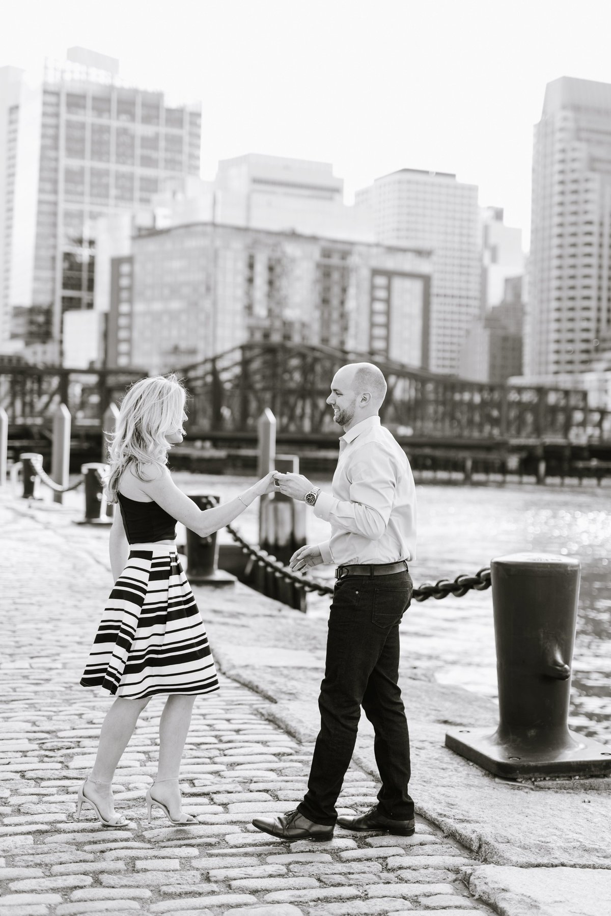 seaport-district-beacon-hill-engagement-session-boston-wedding-photographer-photo_0010