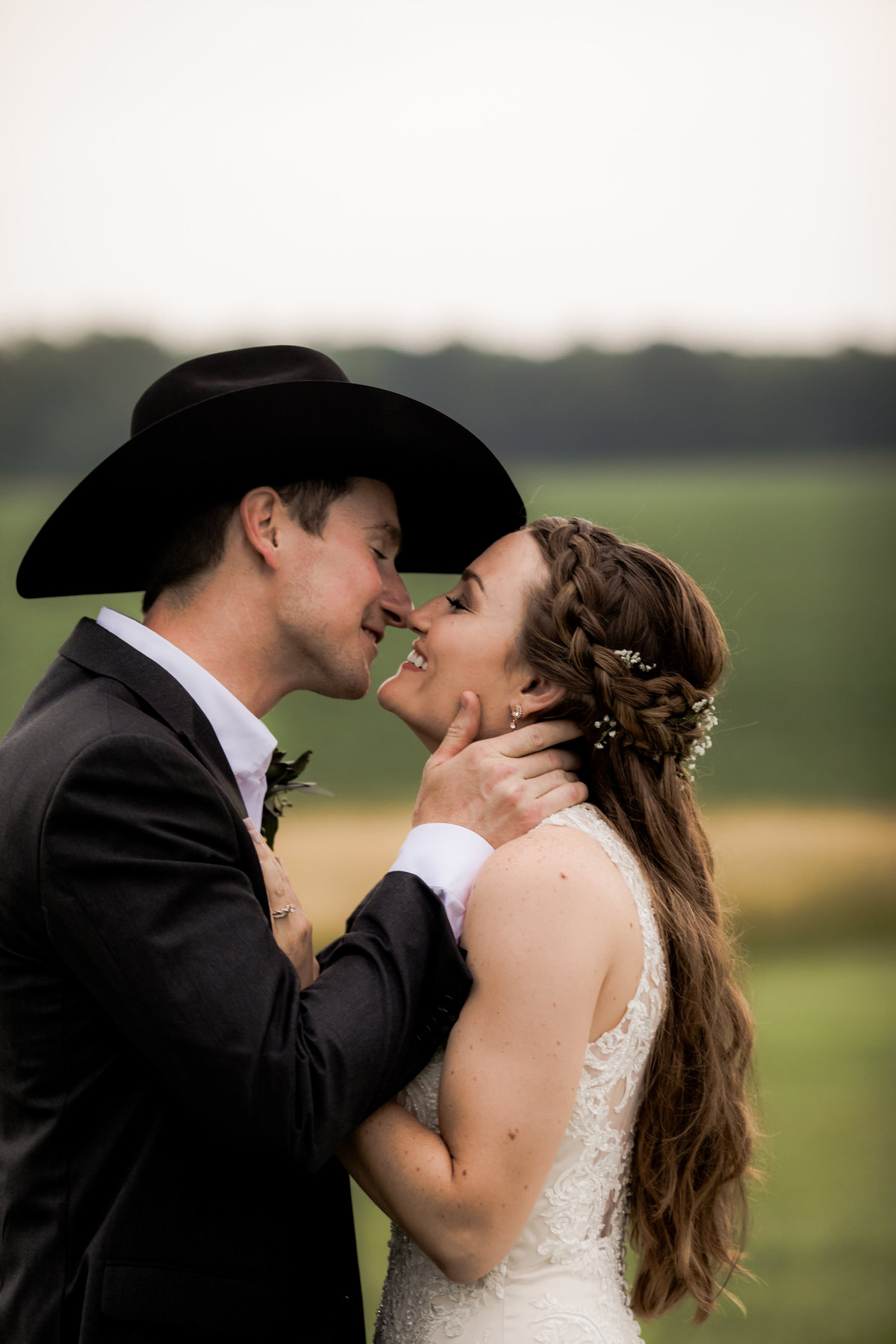 Nsshville Bride - Nashville Brides - The Hayloft Weddings - Tennessee Brides - Kentucky Brides - Southern Brides - Cowboys Wife - Cowboys Bride - Ranch Weddings - Cowboys and Belles065