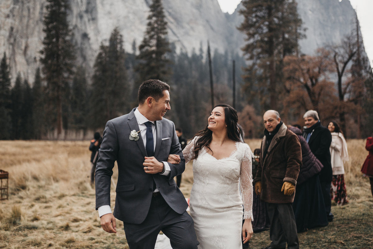 athena-and-camron-how-to-elope-in-yosemite-valley-ceremony12