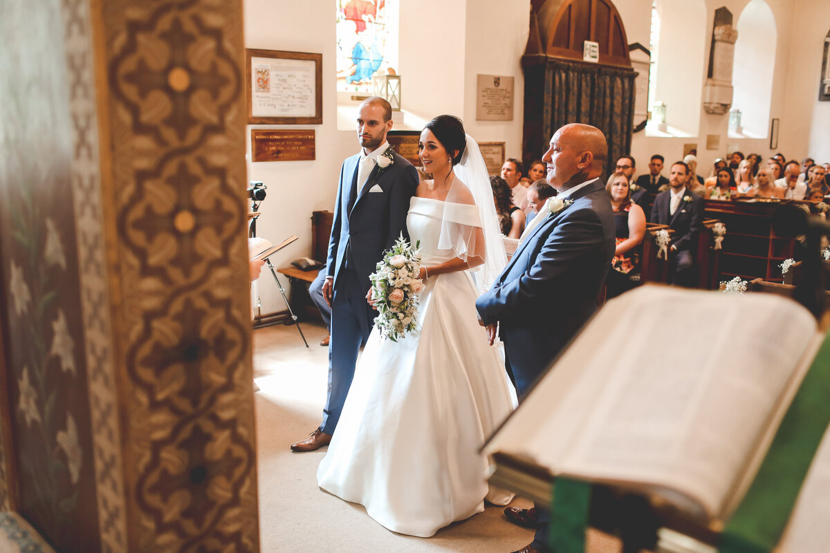 STANLAKE-WINE-ESTATE-WEDDING-CHURCH-RELAXED-0020