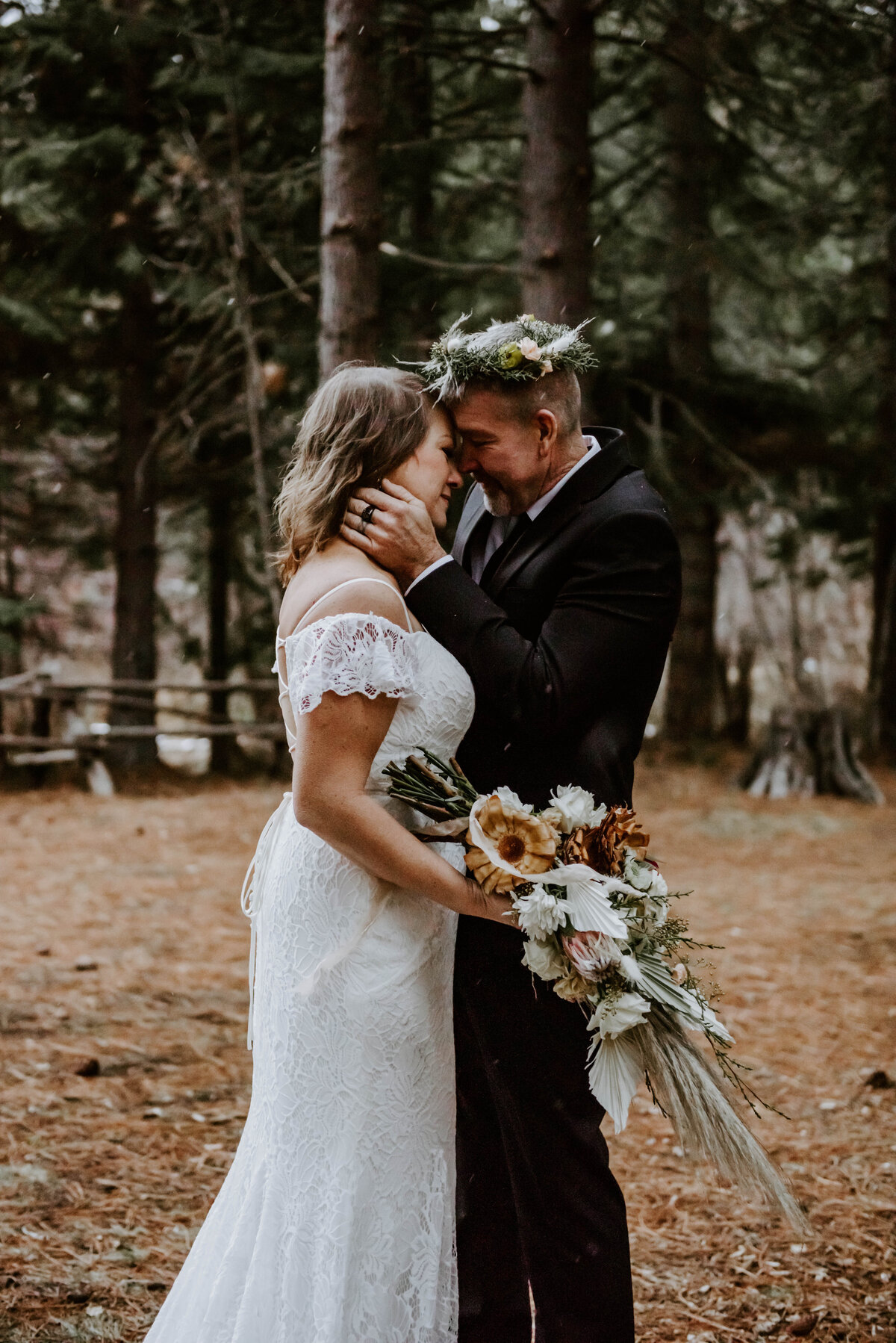suttle-lake-sisters-oregon-lodge-woods-vow-renewal-photographer-wedding-elopement-3154