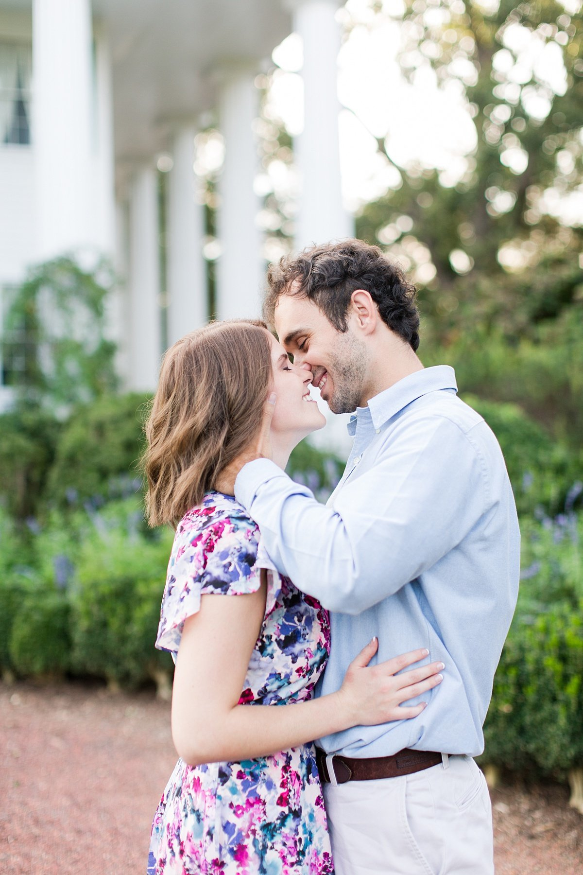 Roswell-Barrington Hall-Engagement-Photos-_0013