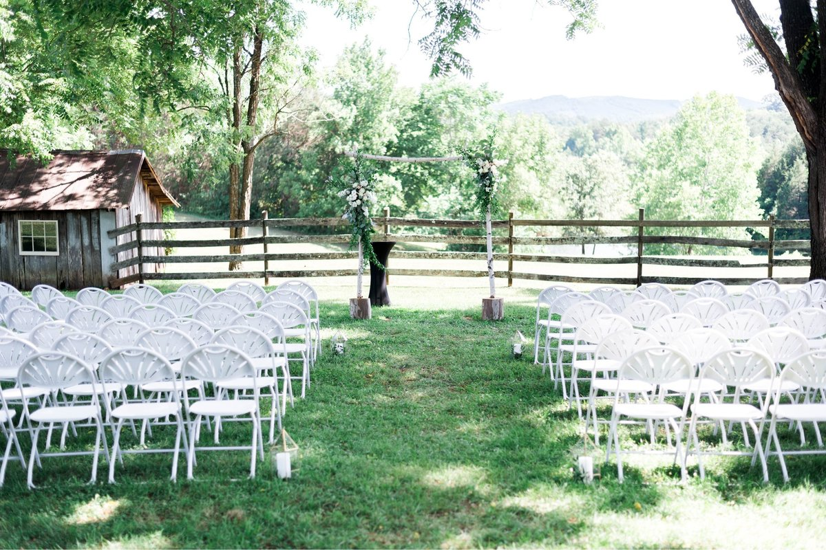 SorellaFarms_VirginiaWeddingPhotographer_BarnWedding_Lynchburgweddingphotographer_DanielleTyler+34(1)