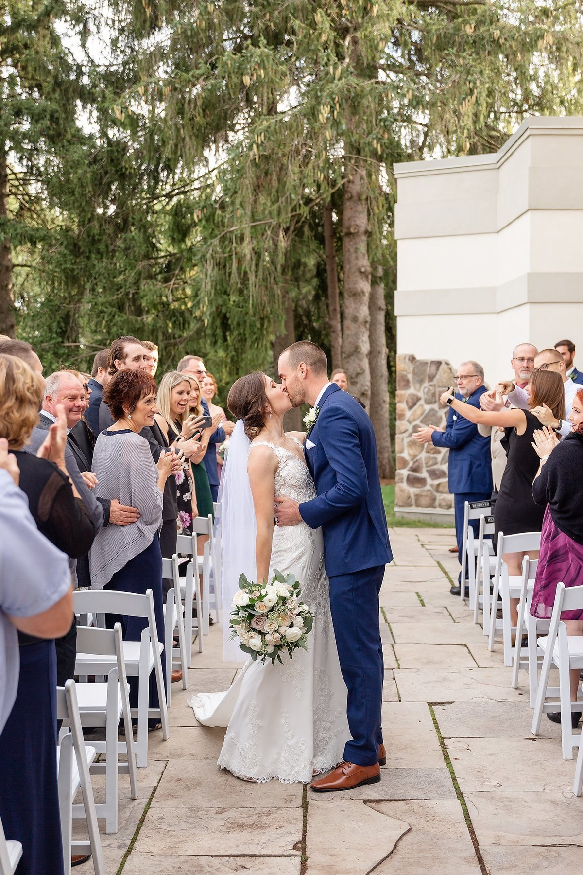 Romantic Windermere Manor Wedding | Dylan and Sandra Photography 069