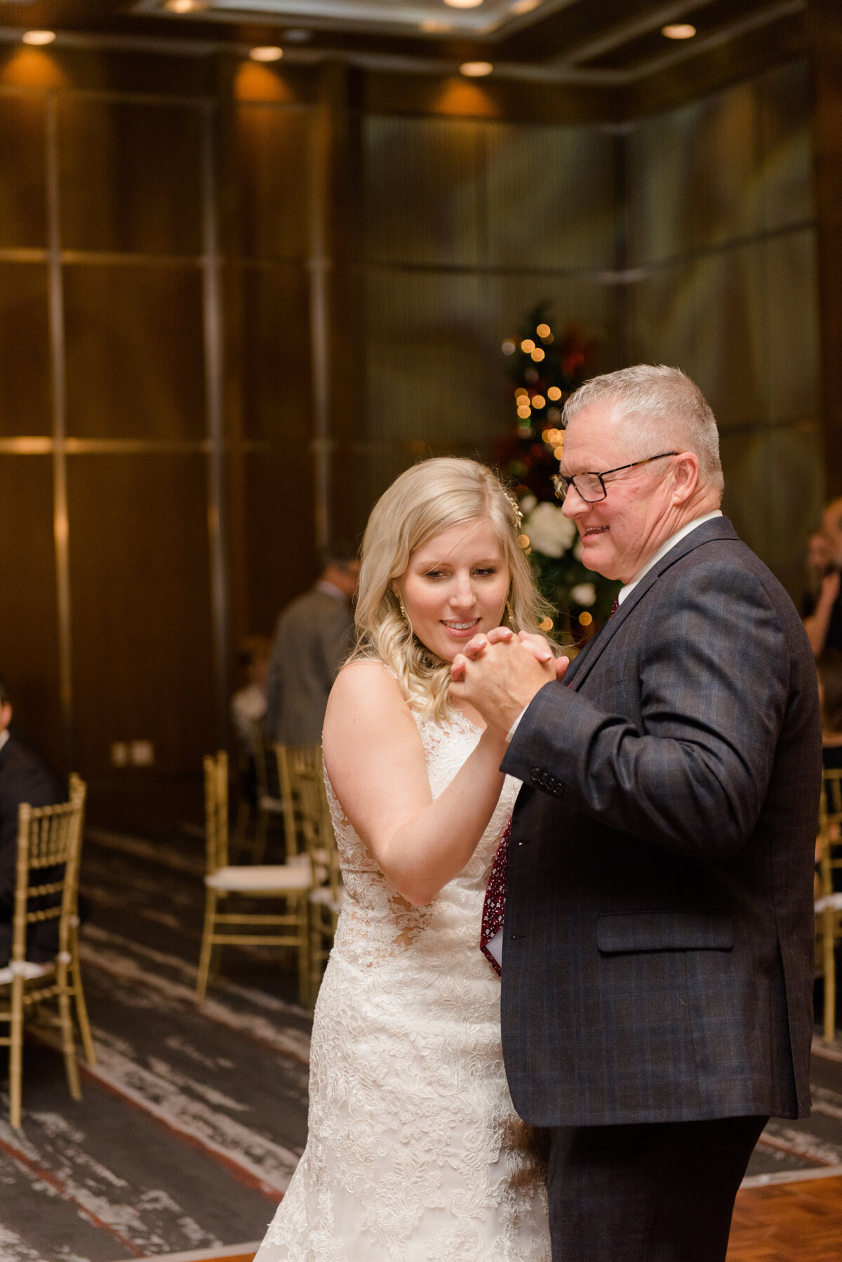 gold-white-black-tie-theme-NYE-wedding-2019-brookstreet-hotel-kanata-ontario-grey-loft-studio-49