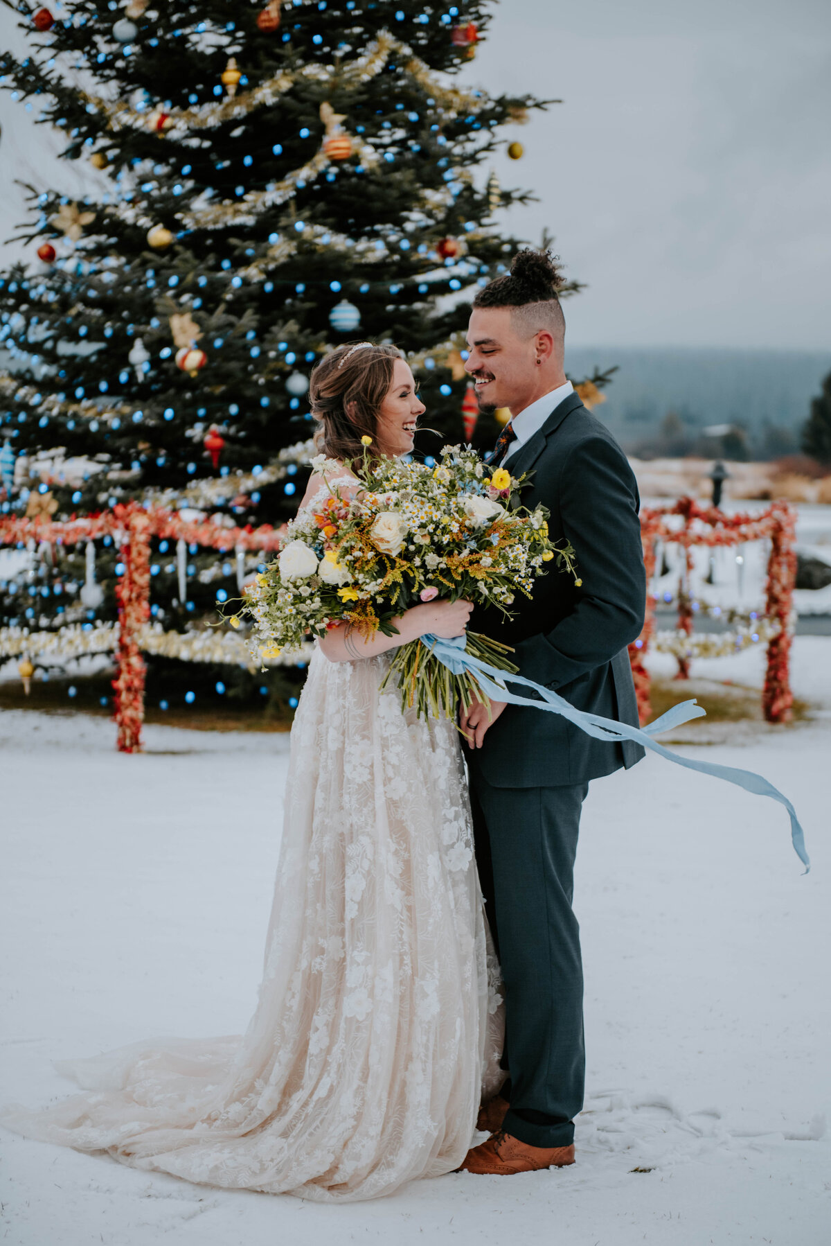 sunriver-resort-oregon-wedding-venue-christmas-elopement-photographer-destination-1781