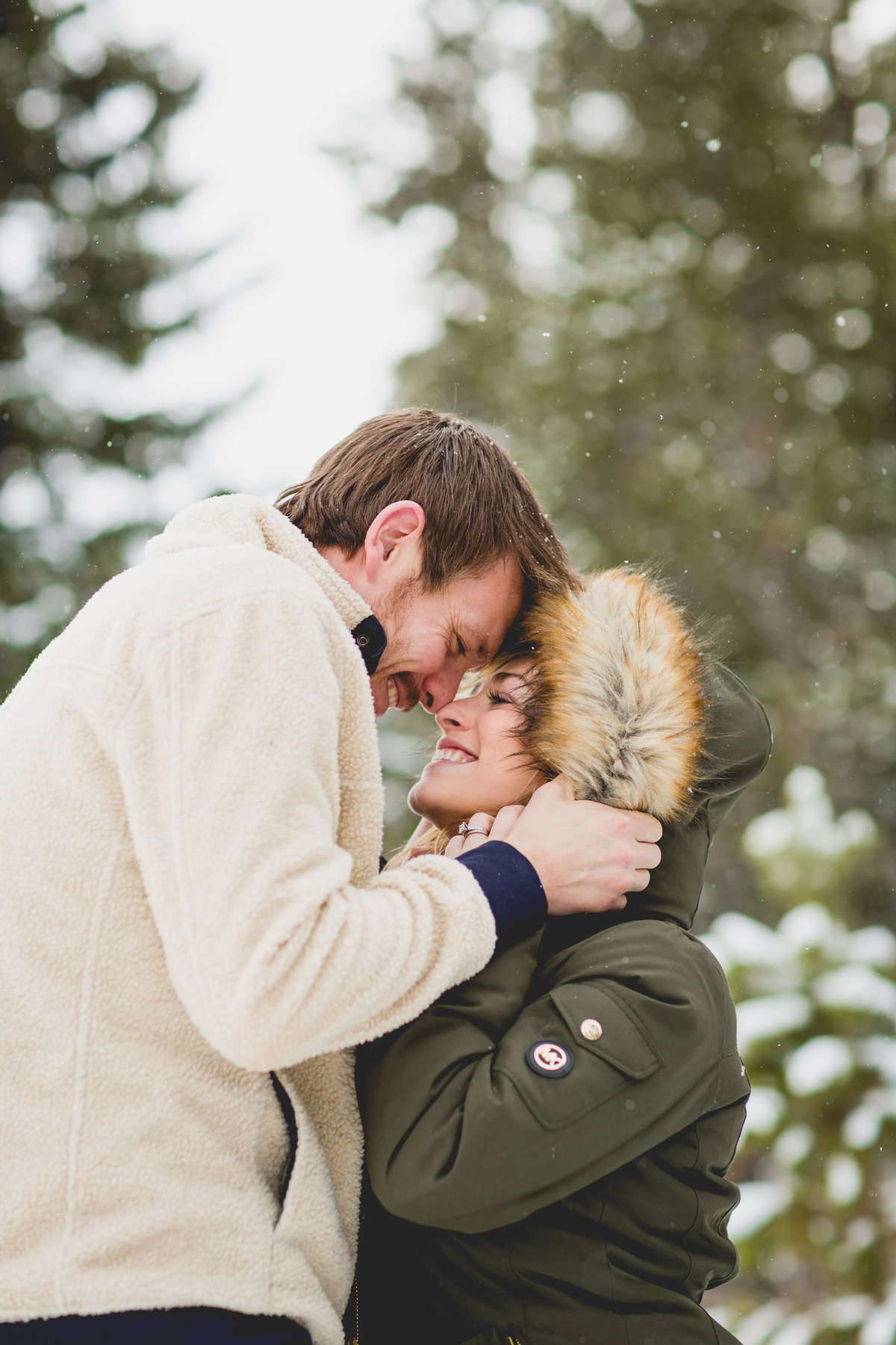 breckenridge-winter-engagement-photos