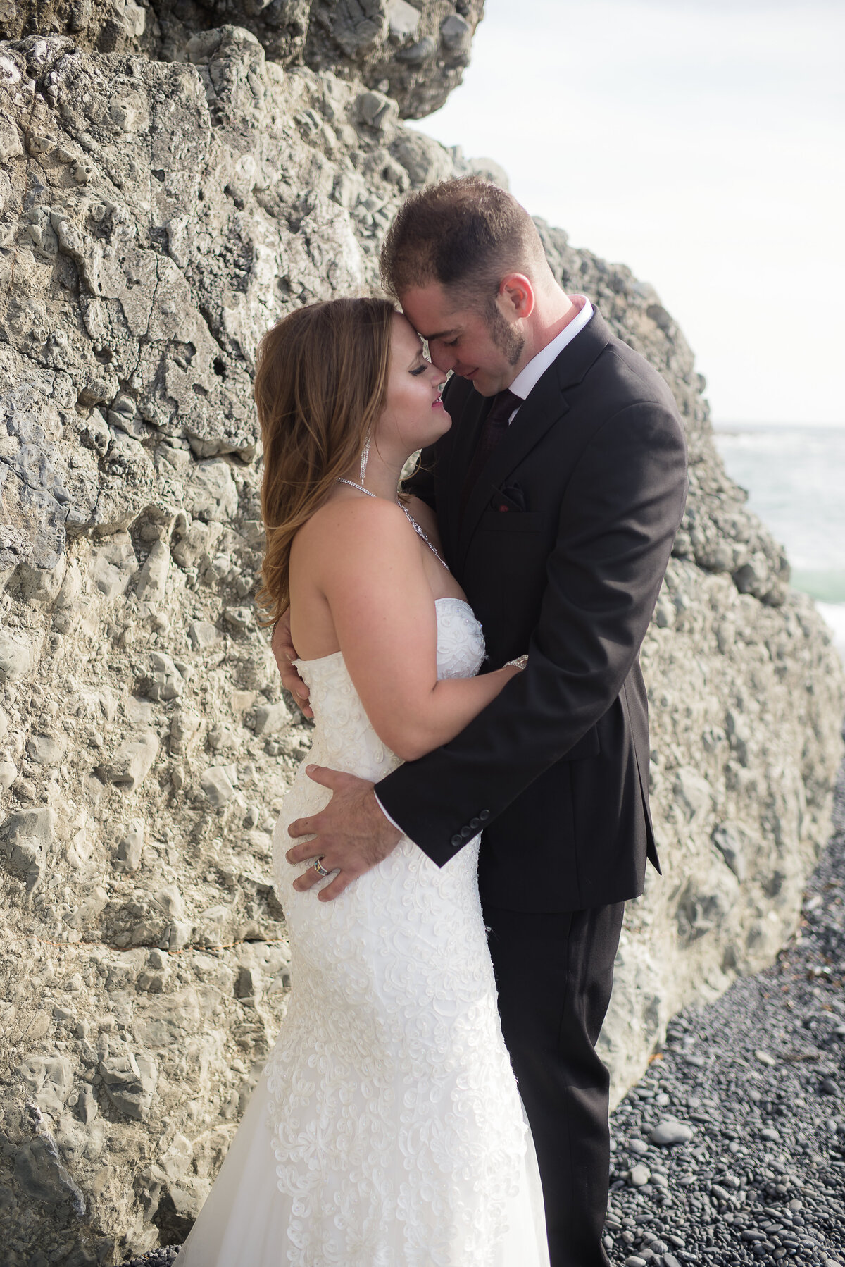 Shelter-Cove-Black-Sannds-Beach-photographer-adventure-elopement-intimate-destination-wedding-nor-cal-beach-elopement-13